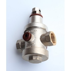 Brass Adjustable pressure reducing valve 0.5 to 6 bar